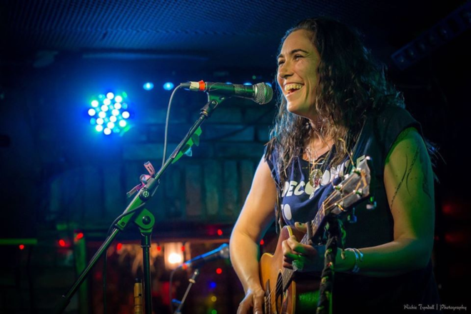 Live Shows: Áine Tyrrell - Jan 16  - Junk Bar